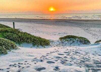 Austin.com – Lively Beach at sunset