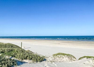 Carrie Elle – Lively Beach
