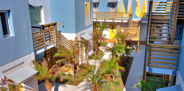 Lively Beach Surfrider courtyard